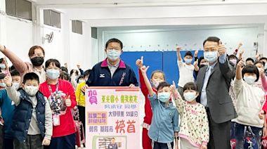二信高中學測榜首吳承安回母校分享讀書經驗