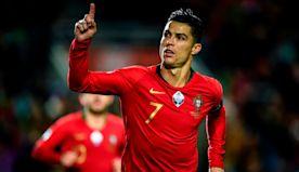 Ronaldo wins best men's player at Dubai Globe Soccer Awards for sixth time