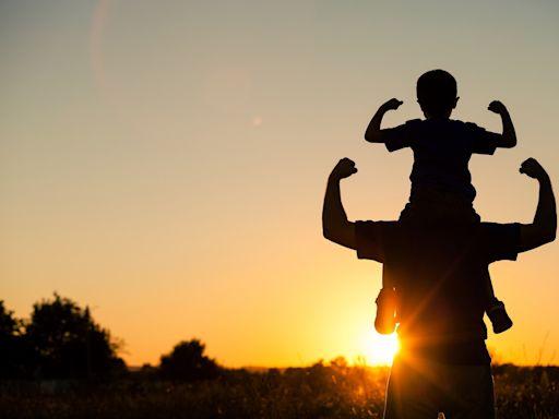你的爸爸最像誰?看看爸爸最需要的保險有哪些?