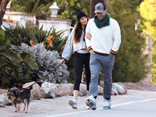 Chris Martin and Dakota Johnson Living Together, Have Sunday Dinners with Ex Gwyneth Paltrow and Family