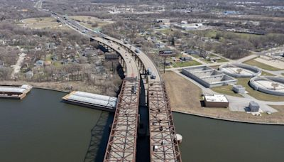 Gov. Pritzker lays out 6-year timeline for $1.2B I-80 reconstruction project through Will County