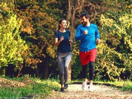 聰明健身 晨練與夜跑哪個好?(組圖) - - 強身美容