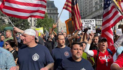 Anti-COVID vaccine protesters take over Brooklyn Bridge as de Blasio's mandate looms