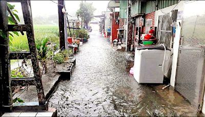 颱風影響降豪雨 八德區僑興新村積水