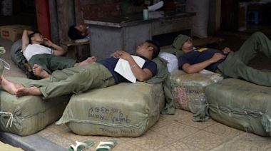 中國青年「躺平」 是在革命還是認命?(圖) - 無妄齋 - 時評