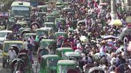 Shoppers flout safe distancing at Ramadan markets