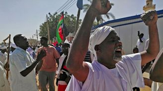 Mourners protest after deaths in Sudan demos