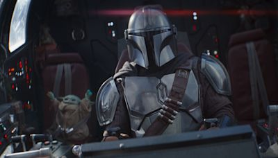 Fans spot guy in jeans and a T-shirt in episode of 'The Mandalorian'