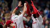 Gregorius' HR rallies Phillies, cuts Braves' NL East lead