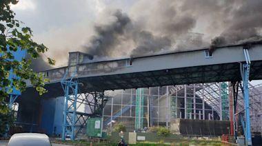 中火大火黑煙竄天 市議員要求環保局監測是否產生有毒氣體