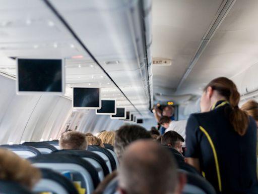 搭飛機千萬別做!空姐曝乘客「這行為」最討厭:麻煩改進 | 新奇 | NOWnews今日新聞