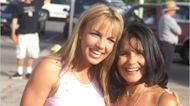 """Britney Spears' Mom Says Relationship With Jamie Has """"Fear & Hatred"""""""
