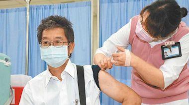 AZ疫苗將開放1萬劑自費接種 專家:在吃老百姓豆腐