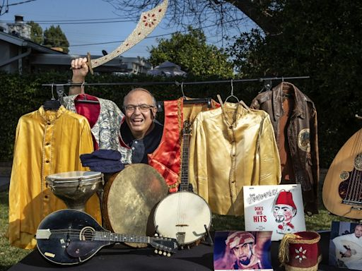 Guy Chookoorian was the novelty record king of Armenian L.A. His death marks the end of an era