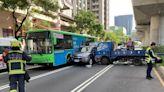 台中文心路口3車連環撞 孕婦在內7人輕重傷