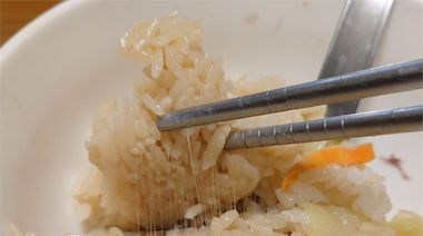 白飯出現神秘拉絲 內行人急阻止:絕對不能吃!