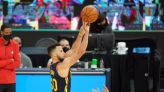Steph Curry's offensive explosion helps Warriors crush Rockets