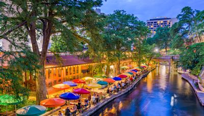 Exploring the best of San Antonio, with cheap flights from San Diego