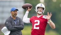 Colts sign quarterback Brett Hundley after Wentz's injury