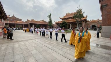 70萬台商集氣 昆山媽祖廟為台灣疫情「消災祈福」