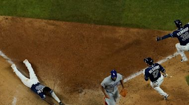 Los Angeles Dodgers blow Game 4 of the World Series after falling apart defensively on final play