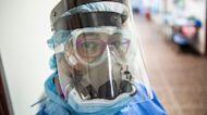 La segunda ola de contagios de COVID-19 en Perú está diezmando al personal de la salud