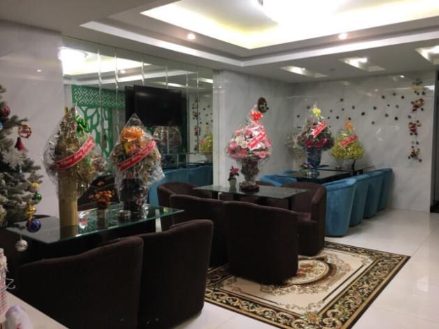 Khách sạn khu Trung Sơn có bạn nào biết ở đường nào bán không ạ?