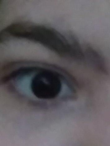 Are my eye pretty or 💩?