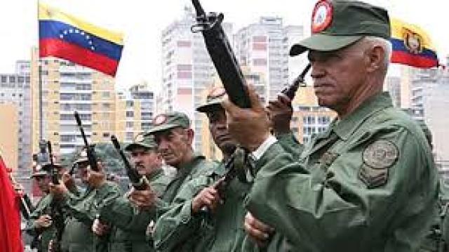 ¿Por que bello Maduro alias mariposon, armo una milicia de bellos abuelos y gente desnutrida para golpear a opositores que son mayoria?