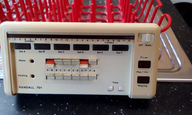Anyone recognize this central heating programmer also can anyone recommend a replacement.?