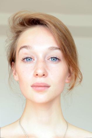 Ela se parece com a Mariana Ximenes?