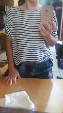 Ficou bom essa blusa do lado avesso e de trás para frente ou é melhor usar outra?