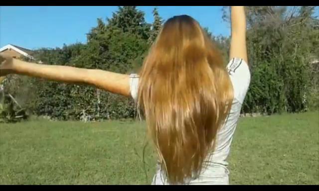 ¿De qué color es este cabello? Doy 10 points?