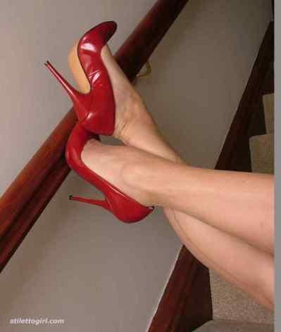 ¿Es pecado sentir mucho deseo y lujuria al ver un par de zapatos de tacon?