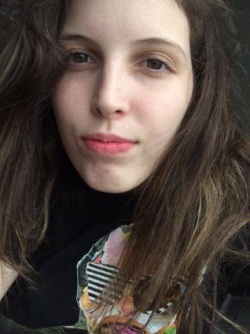 Ninguem quer namorar comigo, sou muito feia ?