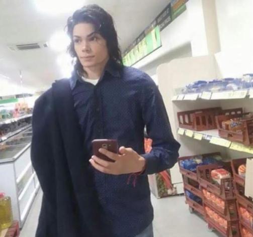 Does he look like Michael Jackson?