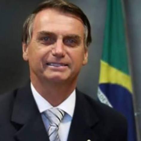 Estava decepcionado com toda essa política do nosso país e sem esperança.Até que vi agora no SBT,Cabrini com Jair Bolsonaro. Ele é o caminho?