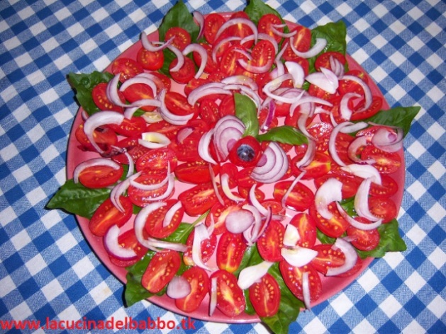 "Cosa manca a questo bel piatto ""de pomodori""?"