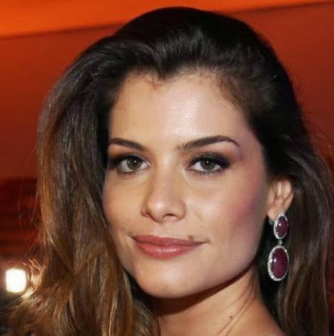 Alinne Moraes é feia e insuportavél no yahoo?