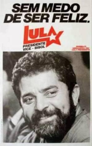 LULA LÁ, BRILHA UMA ESTRELA ⭐, LULA LÁ! ⭐ Em 2018 é Lula de novo com a força do povo ⭐⭐ Podem preparar os lenços ...?