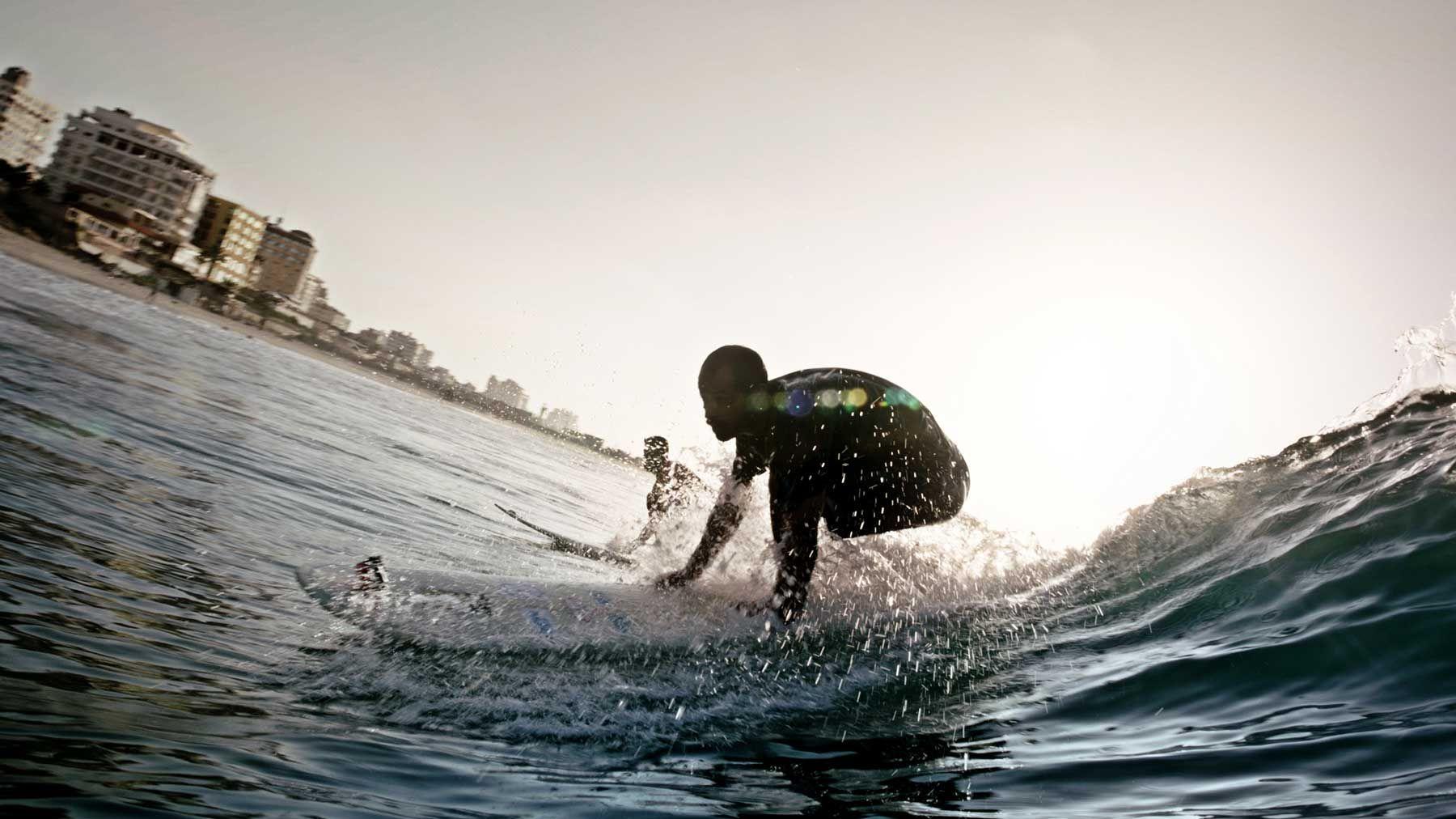 《我們在加薩停火時衝浪》Gaza Surf Club
