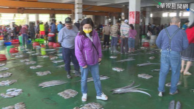 戴口罩叫賣魚貨! 東石市場啟動防疫