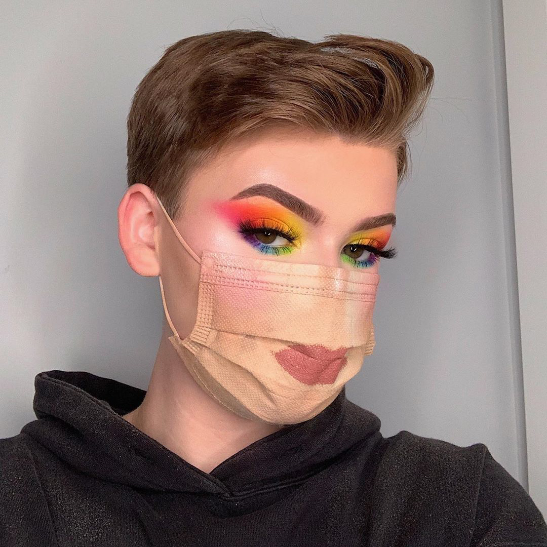 Beauty Guru Tries To Pull Off Full Face