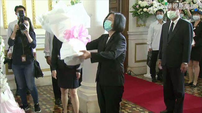 追思李登輝 蔡賴蘇赴台北賓館致意