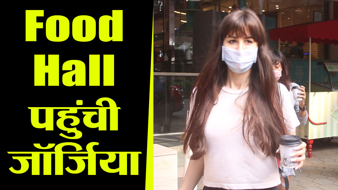 Giorgia Andriani spotted enjoying in food hall at Khar
