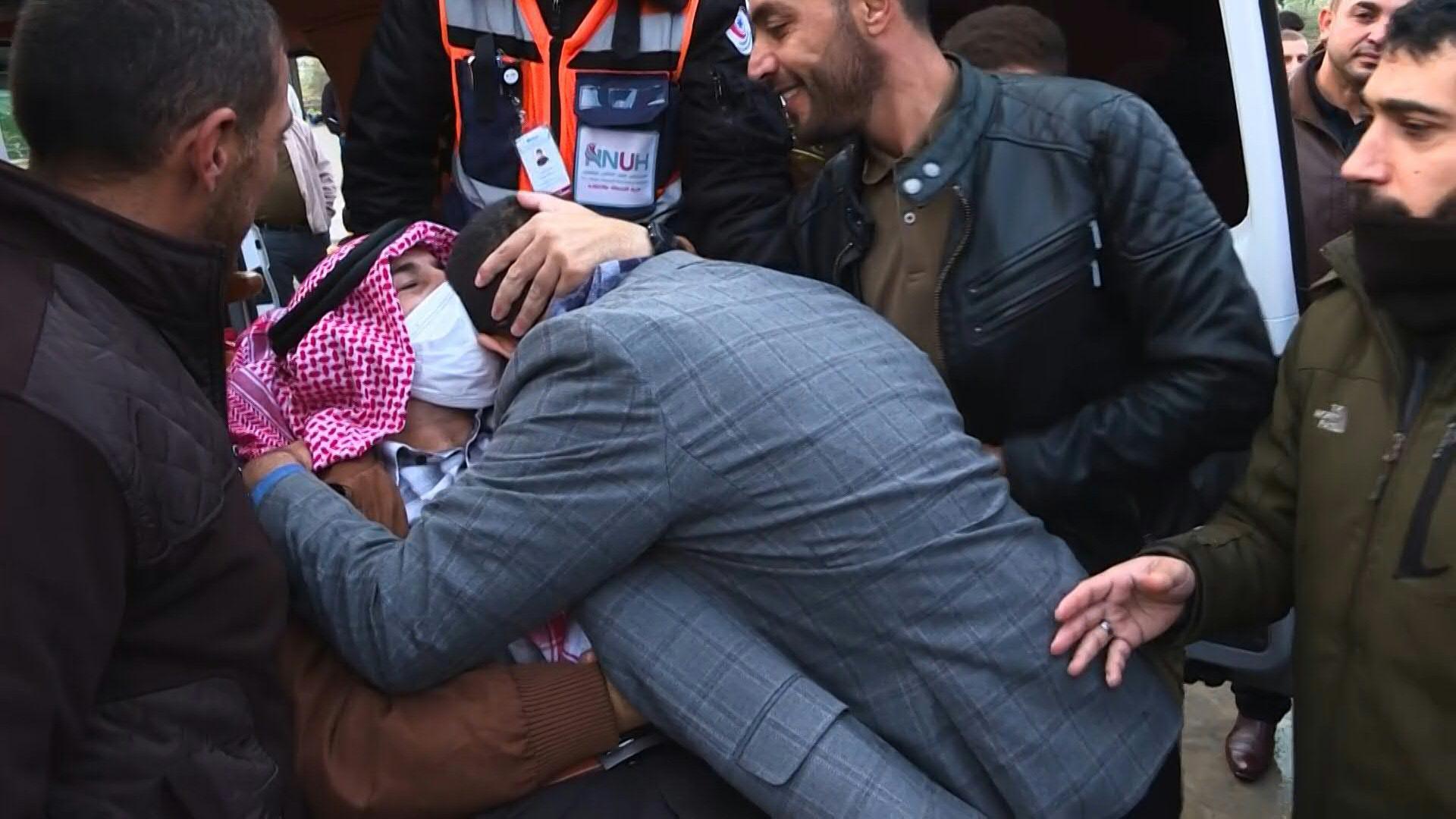 uk.news.yahoo.com: Israel frees Palestinian who waged 103-day hunger strike