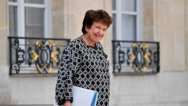 """Roselyne Bachelot : Laurent Delahousse """"pervers"""", sa mise au point après une question sur les vaccins"""