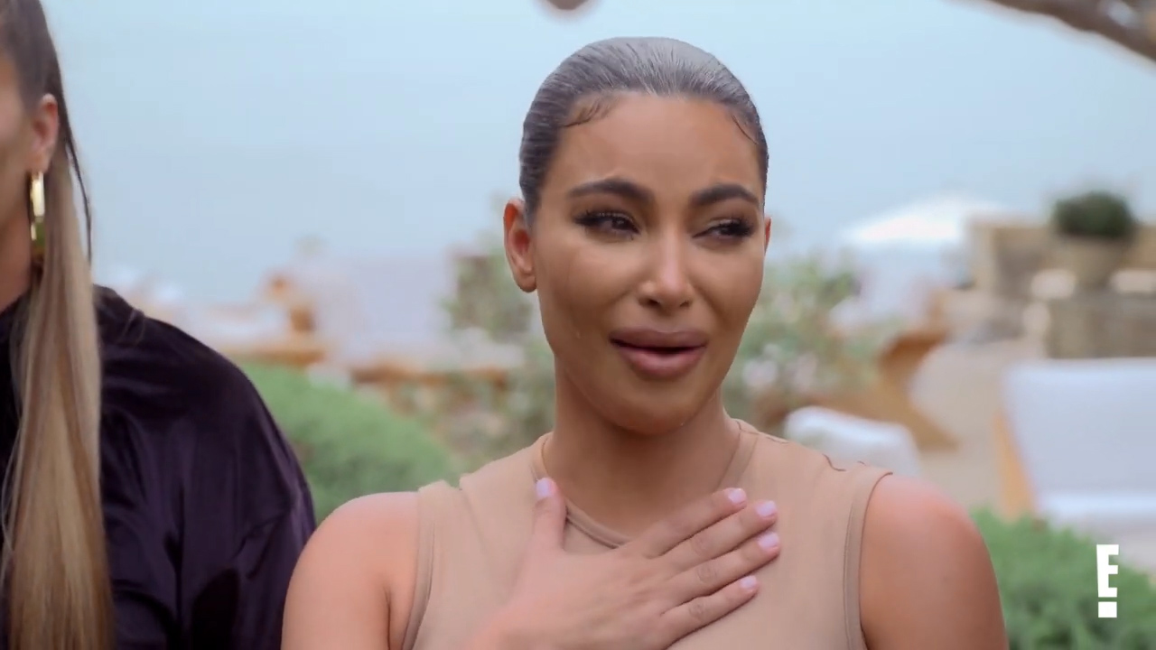 The Kardashians sob as they say goodbye in the KUWTK finale trailer