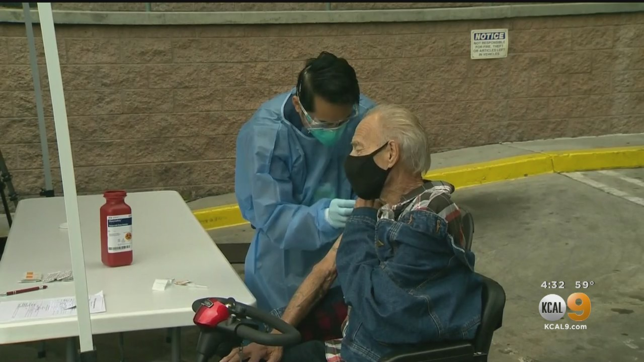 news.yahoo.com: Homeless Community Vaccinated Outside Los Angeles Mission