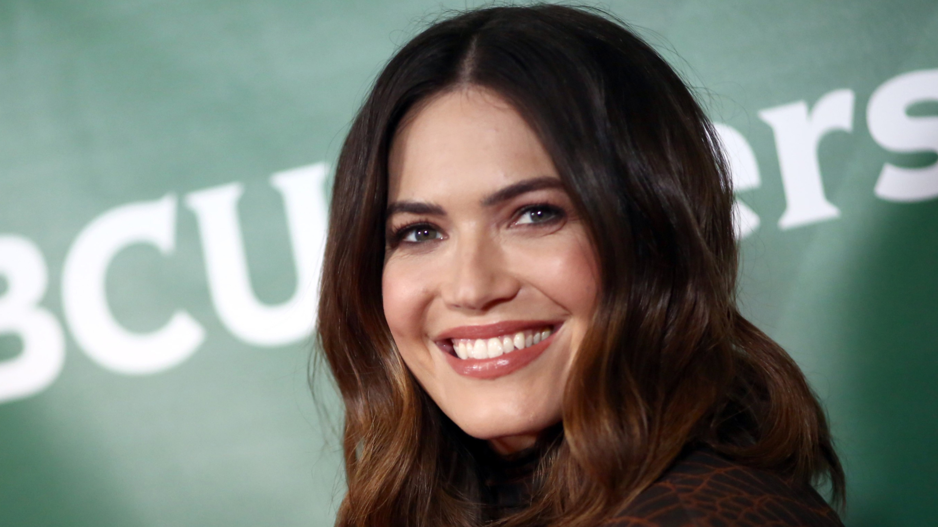 Mandy Moore Shares New Photo about Baby Gus because She Struggles With Post-Pregnancy Ailment